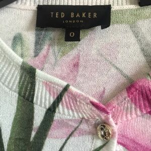 Ted Baker London Sweaters - 🌸💚TED BAKER London Top💚🌸